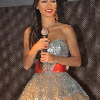 دوللي شاهين وحفل ملكات جمال العرب 2012