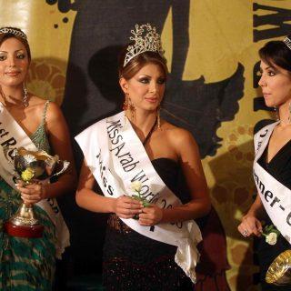 الفتيات الثلاثة الفائزات من اليمين جومانا - كلوديا - دينا