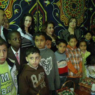 حنان نصر وفتيات العالم العربي مع الاطفال المحقونين بالإيدز ف