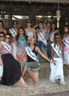 ملكات جمال العرب وزيارة بالعزبه2006